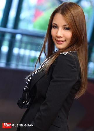 http://www.glennguan.com/blog/wp-content/uploads/2009/01/hannahtan2.jpg